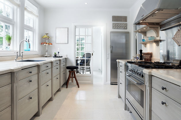 multibrief modern traditional tops the list of 2015 kitchen trends