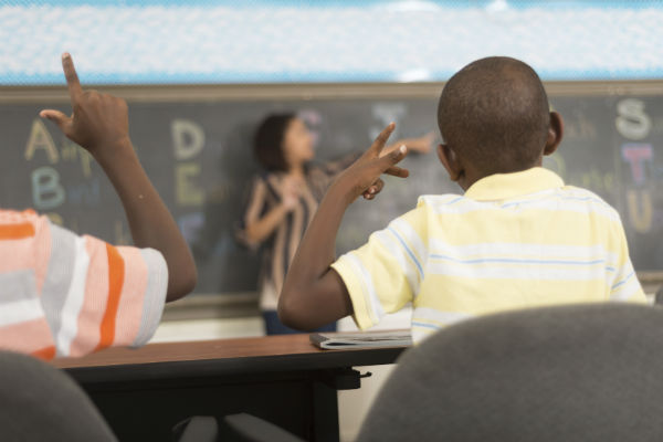 Teaching English to deaf students