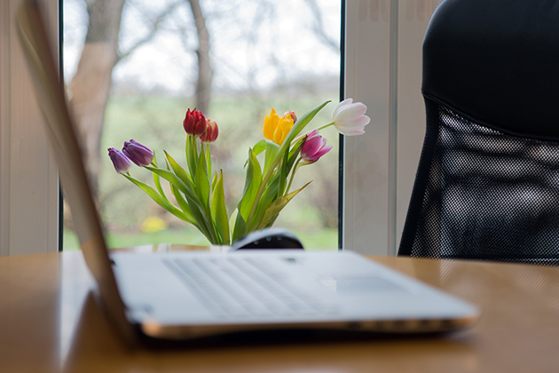 Spring is here: 3 simple tips to re‑energize at work