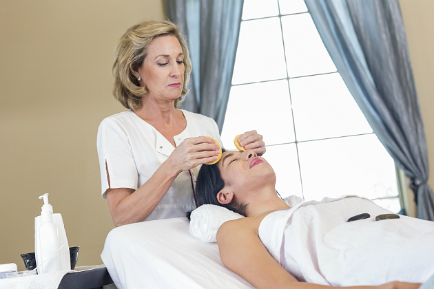 5 tips to maximize your esthetician staff