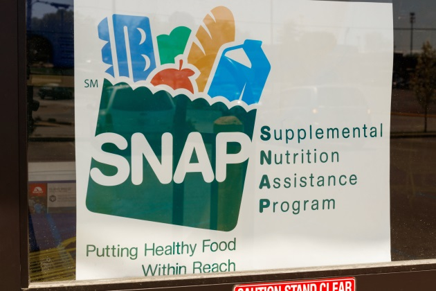 Online grocery delivery in the works for food stamp recipients