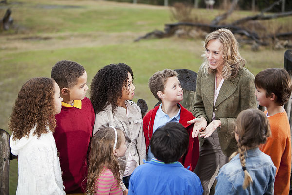 Should schools schedule more field trips for students?