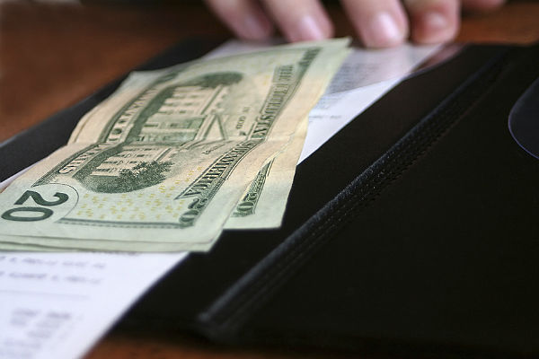 No-tipping restaurants: A new trend in the US