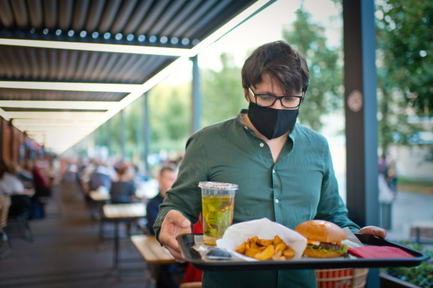 Safe or risky? Indoor dining during the COVID-19 pandemic