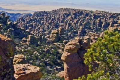 Chiricahua National Monument: The land of standing rocks