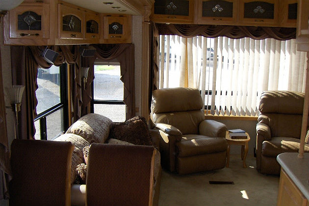 MultiBrief Fulltime RV living Should you buy a 5th wheel or a