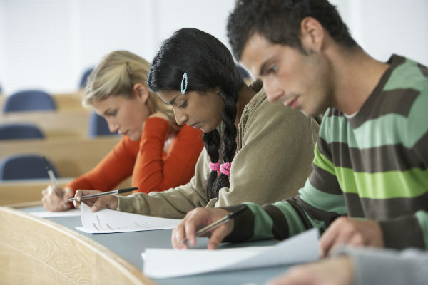 Integrative tests: A better way to assess English learners