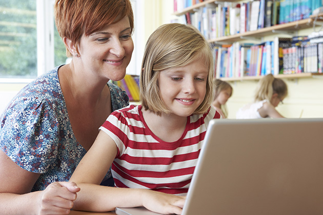 How can micro-credentials be used to support teacher training?